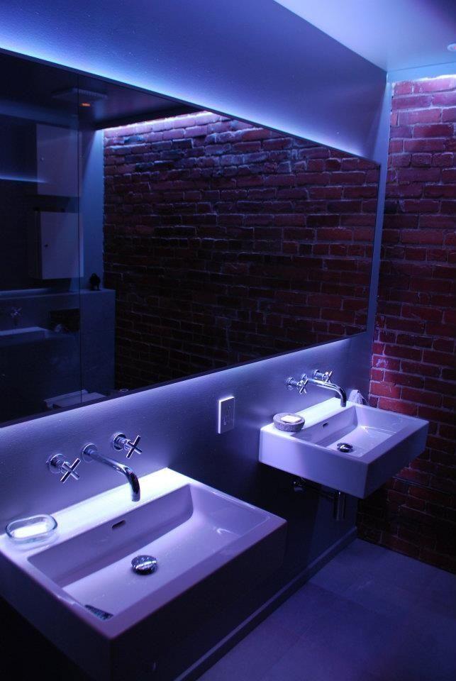 tiras led en hogares baño